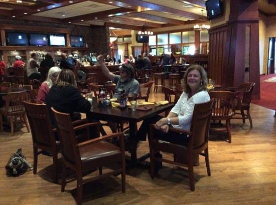The Lodge at Deadwood: Oggie's Sports Bar