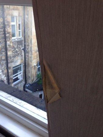 Redcar Hotel: More peeling damp wallpaper