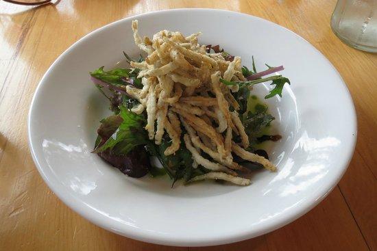 Green Dolphin Restaurant & Bar: Whitebait fritters on arugula salad