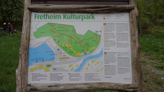 Fretheim Hotel: Map of Flam and walking track behind hotel