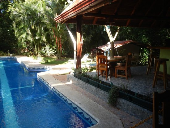 Giardino Tropicale: Pool and breakfast spot/poolside bar