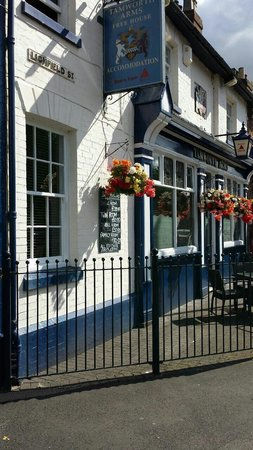 The Tamworth Arms: Lovely pub
