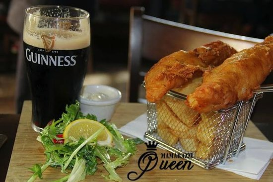 Fitzpatrick's Bar : OMG THE BEST BEST BEST fish nd chips in the WORLD!!!!!!!!!!!