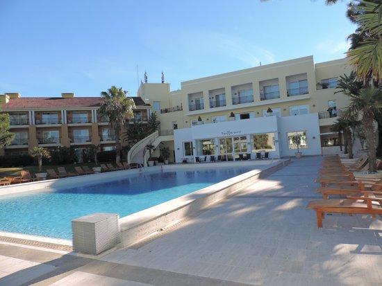 Punta Del Este Resort & Spa : Vista desde las reposeras de la piscina