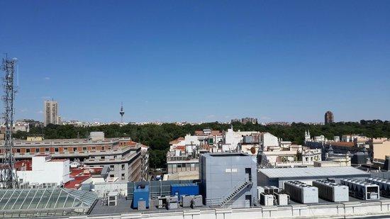 Palacio de Cibeles: Vista de Madrid hacia el parque del REtiro