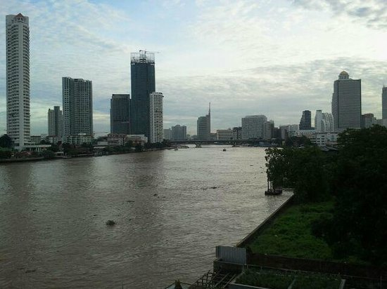 Chatrium Hotel Riverside Bangkok: View from the room