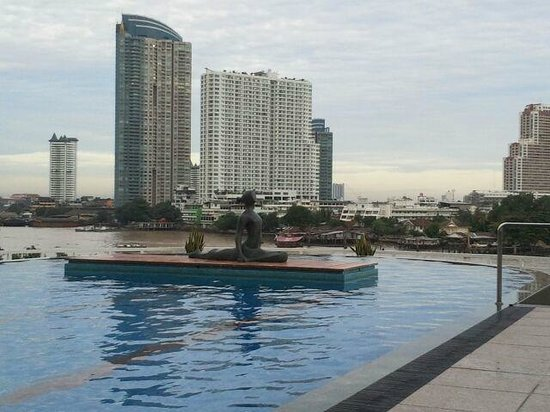Chatrium Hotel Riverside Bangkok: The pool