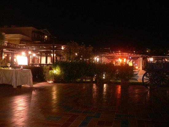 Aldemar Royal Mare Thalasso Resort : UNO DE LOS RESTAURANTES DEL HOTEL