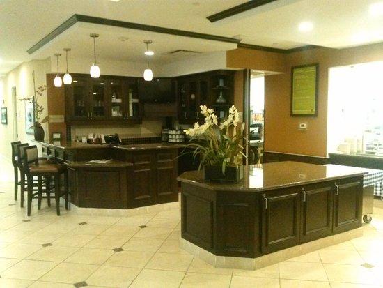 Hilton Garden Inn Lakeland: lobby eatery