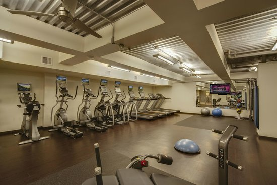Madison Concourse Hotel and Governor's Club: Fitness Center