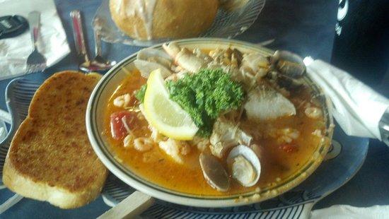MO's Restaurant: Bouillabaisse