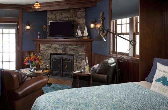 A G Thomson House Bed and Breakfast: The amazing Lake Superior Suite!