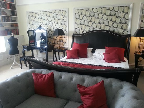 Chateau Rhianfa: Duchess Suite