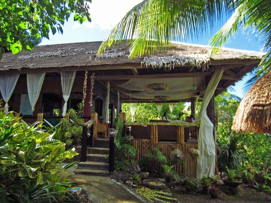 Bituon Beach Resort: Dining area.