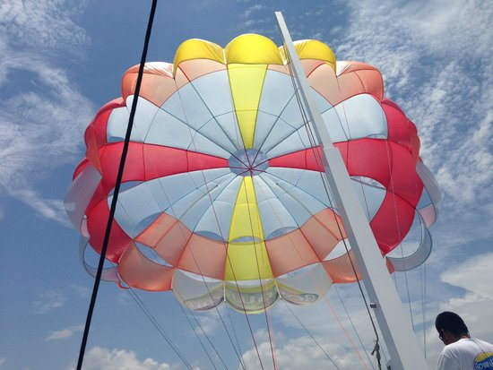 Moon Palace Cancun: Parasailing available to book right on the beach
