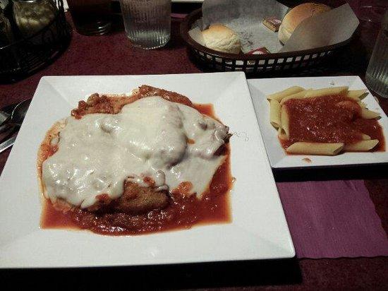 Sweet Basilico Cafe : Escalope de veau noyée dans la sauce