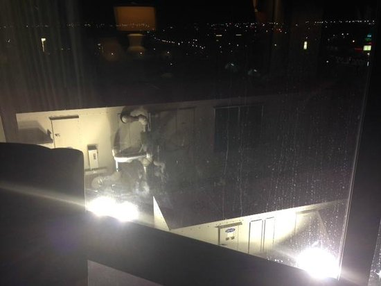 """Atlantis Casino Resort Spa: """"Luxury"""" Tower View room"""