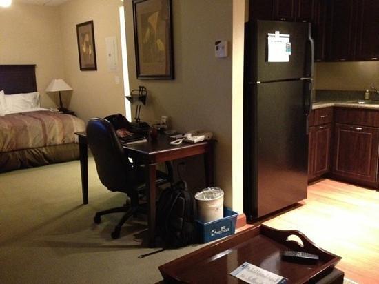 Homewood Suites Sudbury Ontario: clean, close to supermarket and very quiet!
