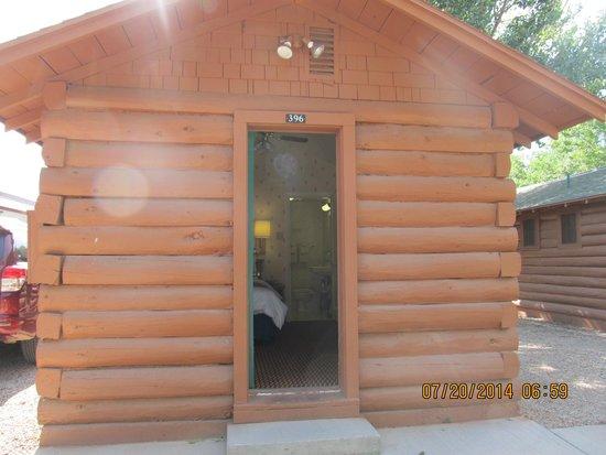 Buffalo Bill Cabin Village: Log Cabin