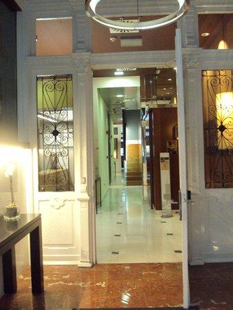 Hotel Fruela: Hall y recepción