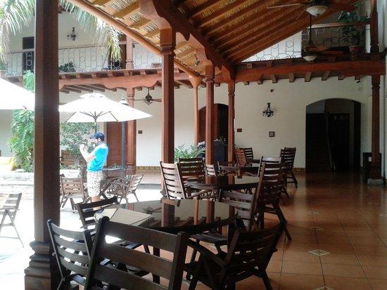 Hotel Plaza Colon: Hotel Colonial en Granada Nicaragua