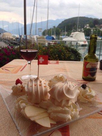 Seegarten Marina Pizzeria : Meringue with cream