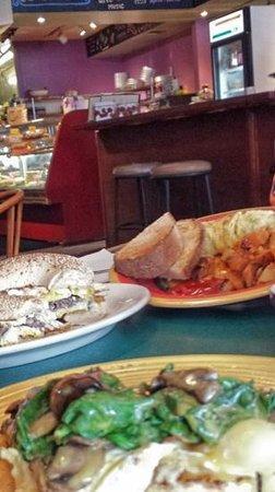 Blue Moon Cafe: breakfast!