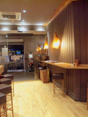 Naguar : Detalle del bar.