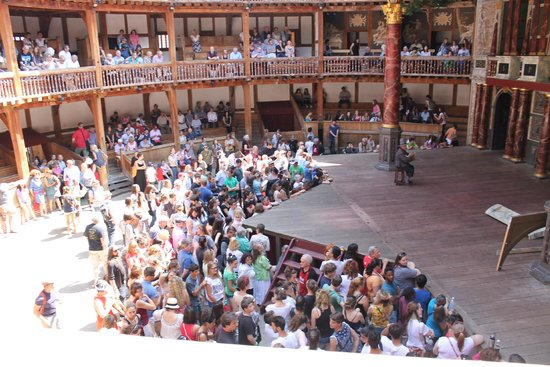 Shakespeare's Globe Theatre : The Globe