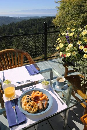 Einers Above Race Rocks Bed and Breakfast: Delicious breakfast