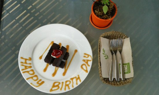 The Cocoon Boutique Hotel: birthday brownie!