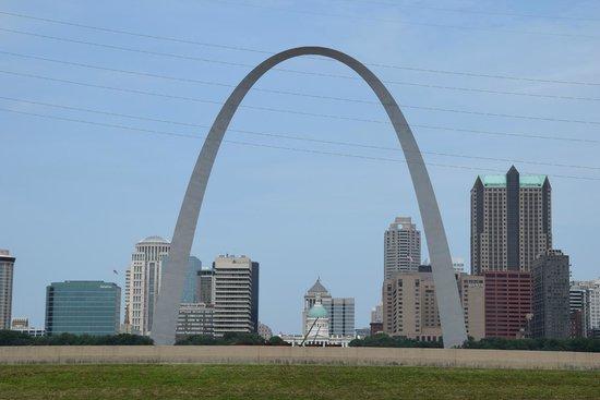 Malcolm W Martin Memorial Park: the arch