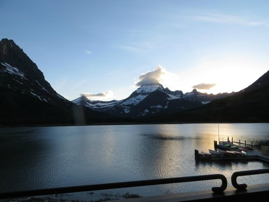 Many Glacier Hotel: sunset view