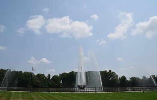 Malcolm W Martin Memorial Park: fountains