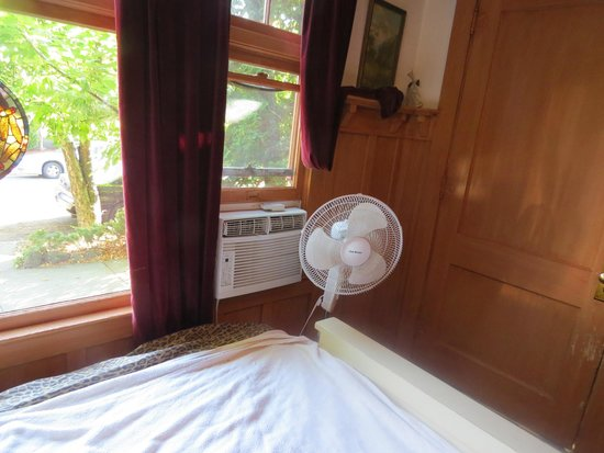 DeLaunay House: window air-conditioner in dining room (for living room also)