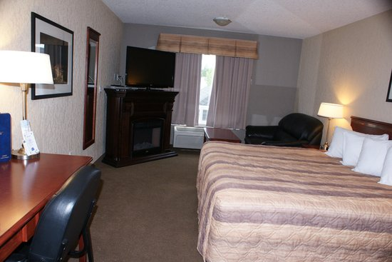 Lakeview Inns & Suites Fort Nelson: room view