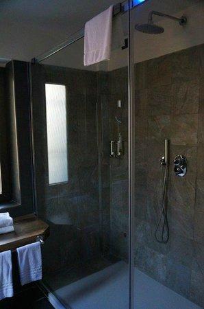 Biocity Hotel: Biocity Shower