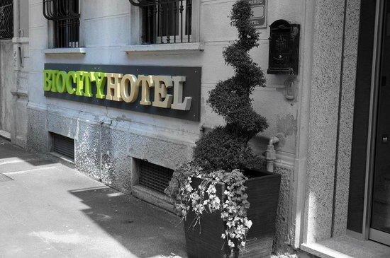 Biocity Hotel: Biocity Entrance
