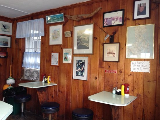 Cap't Cass Rock Harbor Seafood : Rest