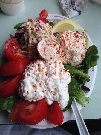 Cap't Cass Rock Harbor Seafood : Crab salad