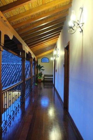Hotel Plaza Colon: corridor