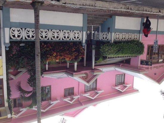 Hotel Fleur de Lys: Main Entrance