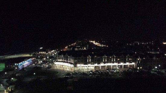 Ocean Place Resort & Spa : Night view of Pier Village