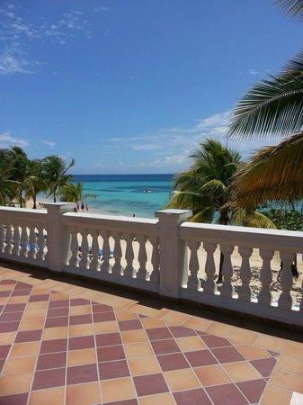 ClubHotel Riu Ocho Rios : View from lobby area