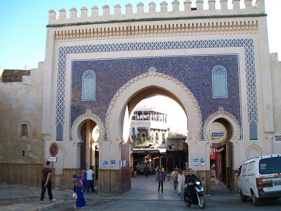 Bab Boujloud: la entrada a otro mundo