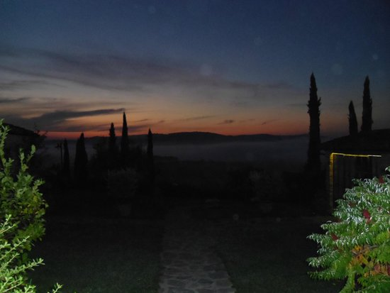 Casa Cornacchi Country House: Morning view over the hills