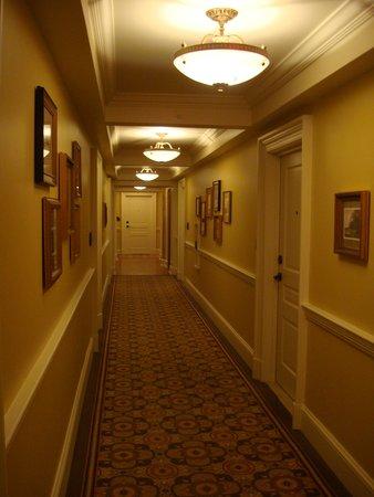 The Jefferson, Washington DC: Hallway