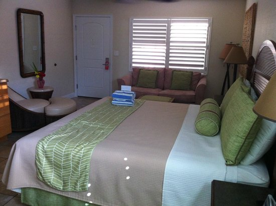 Little Cayman Beach Resort: Room with King Bed
