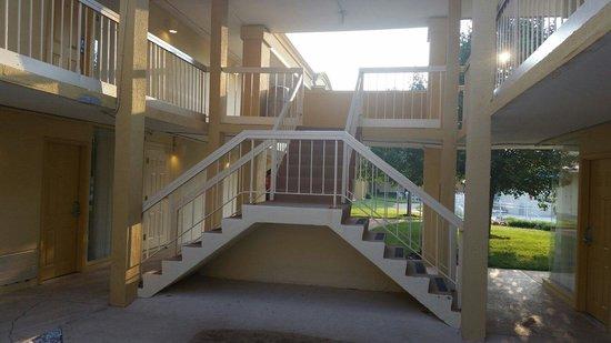 Best Western Battlefield Inn: Stairs To THE room