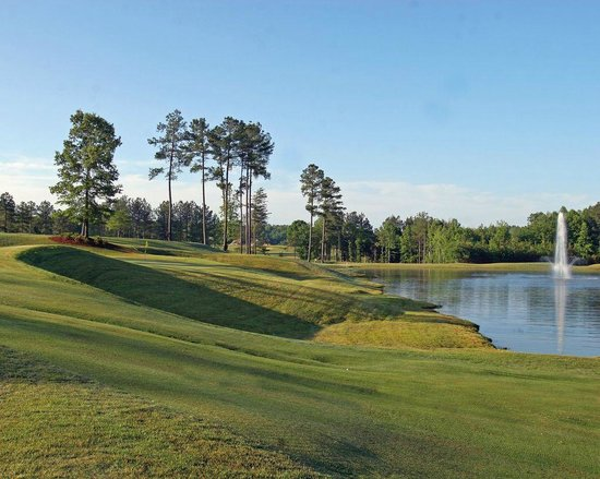 Cherokee Valley Golf Club : Classic golf views with great conditions